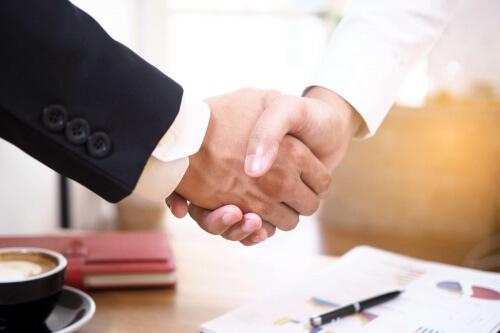 Grunderwerbsteuer durch Share Deals vermeiden – legal oder Steuerhinterziehung?